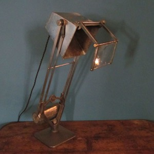 L003 Metal Task Light