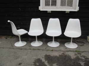 C012 60s Fibreglass Swivel Chairs White