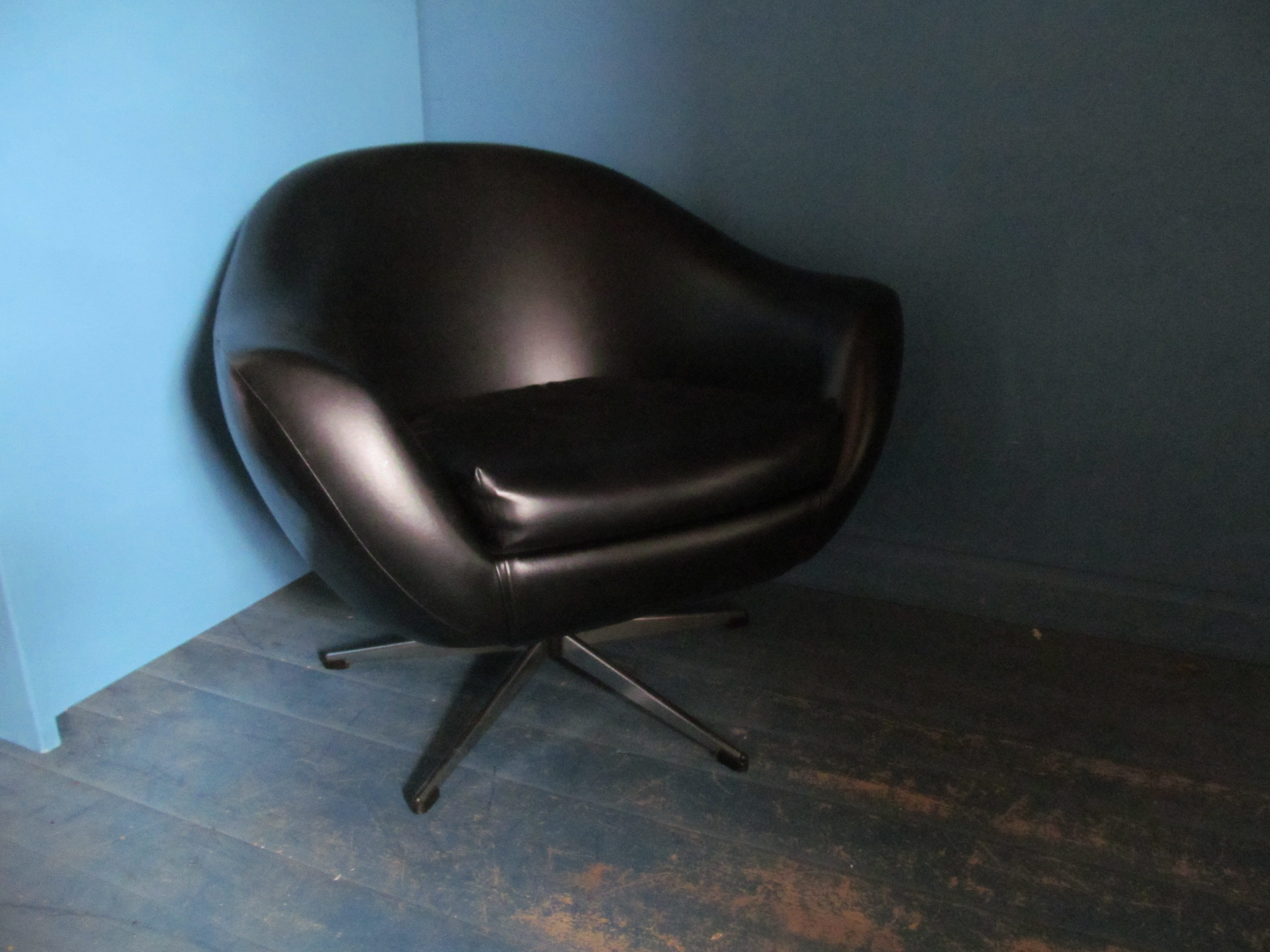 S021 60s Swivel Chair