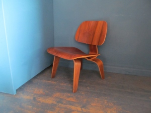 S019 Eames LCW Walnut Chair 1970s