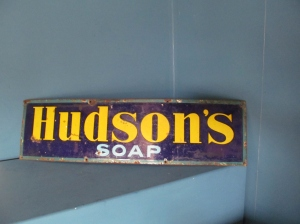 S0   Hudson's Soap Enamel